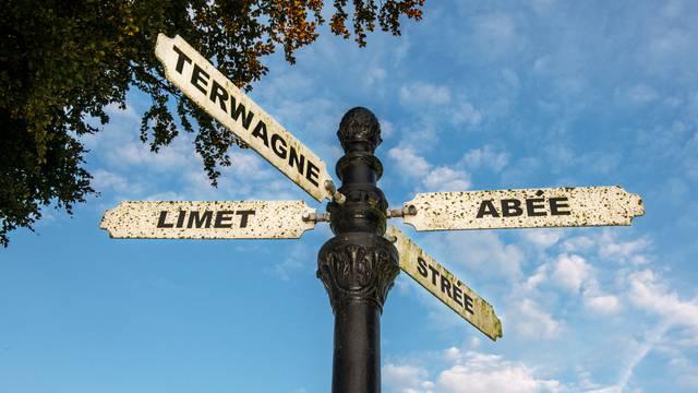 Panneau indicateur à Tinlot